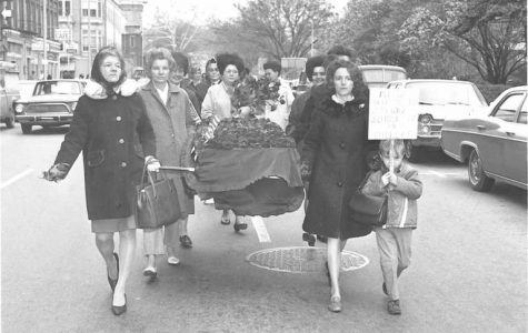After court orders to integrate the Bibb County school system, protesters marched on the federal courthouse in 1970 carrying a fake coffin to symbolize