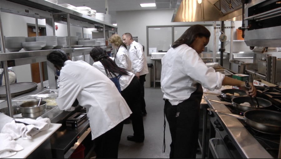 Macon Students Offer Fine Dining at Low Cost