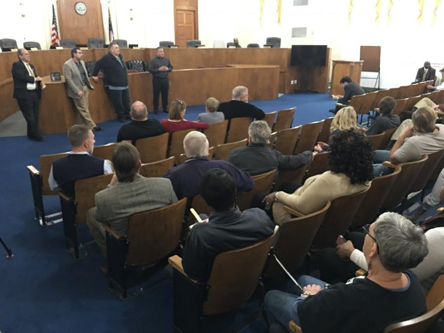 Nearly+three+dozen+building+contractors+gathered+Feb+3+at+the+Macon-Bibb+County+Government+Center+to+talk+with+SAFEbuilt+Georgia+LLC+which+has+agreed+to+take+over+local+building+permits+and+inspections+if+commissioners+approve+the+proposal.%0A