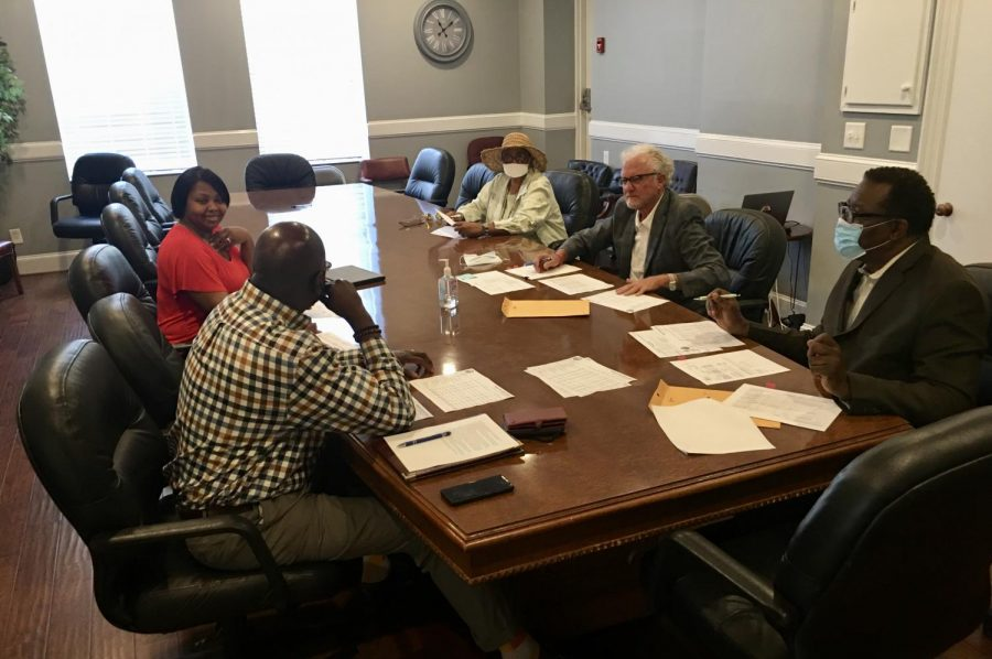 A+30-minute+meeting+was+all+it+took+for+the+Macon-Bibb+Board+of+Elections+to+lay+aside+concerns+of+a+budget+shortfall+due+to+added+expenses+for+Georgia%27s+new+voting+machines.+