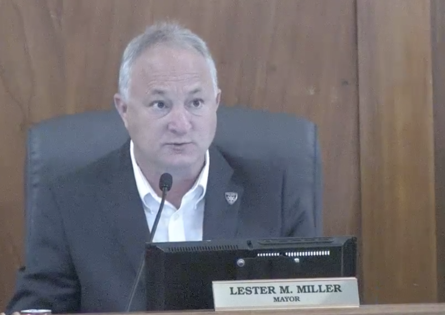 Macon-Bibb+County+Mayor+Lester+Miller+puts+items+approved+by+a+majority+of+commissioners+in+a+consent+agenda+that+is+usually+approved+in+bulk+at+the+evening+meeting+the+following+Tuesday.+