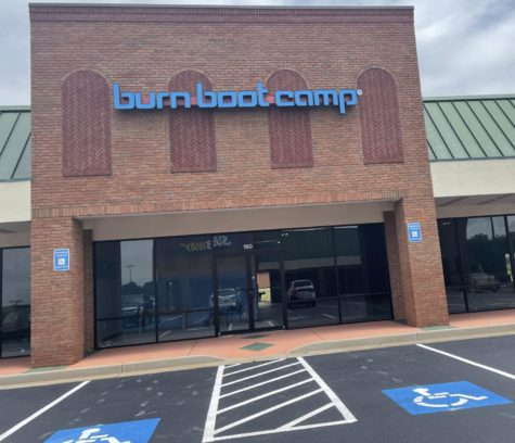 Co-Franchise Partners of Burn Boot Camp in Warner Robins Brad Griffin (L) and Samantha Tickle (R)