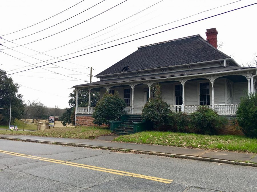 The+wrecking+ball+twice+threatened+the+circa+1865+DeWitt+McCrary+house+in+recent+years.+The+Urban+Development+Authority+bought+it+and+is+working+with+Historic+Macon+to+restore+it.